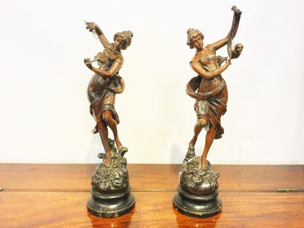 Pair Figure / 20060310074
