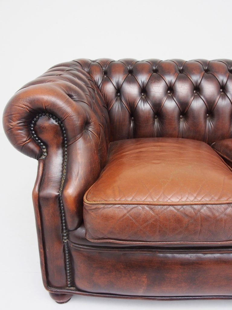 アンティーク家具 チェスターフィールド レザーソファ 3人掛け イギリスアンティーク