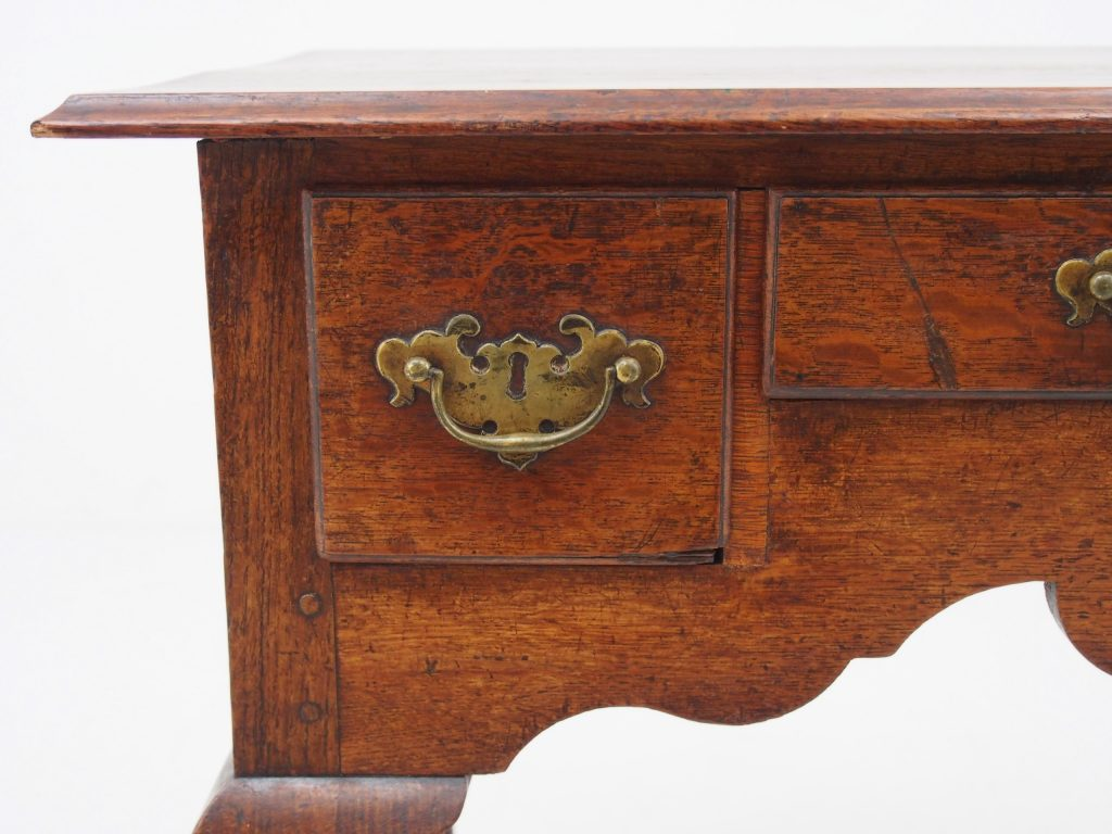 アンティーク家具 イギリスアンティーク ローボーイ サイドテーブル ドレッシングテーブル オーク カブリオールレッグ 猫脚