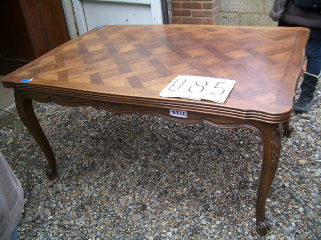 フレンチドロウリーフテーブル