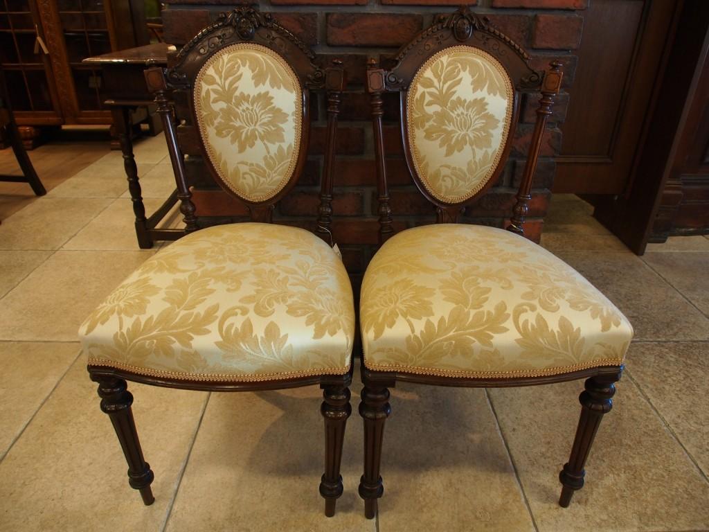 ヴィクトリアンチェア ダイニングチェア サロンチェア 椅子 チェア アンティーク家具 英国アンティーク ツインアンティークス