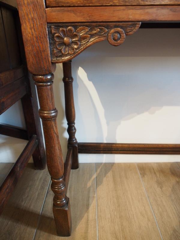 アンティークホールテーブル アンティークサイドテーブル アンティークファニチャー アンティーク家具 アンティーク大阪 TWIN ANTIQUES ツインアンティークス アンティークショップ アンティークストア イギリスアンティーク家具