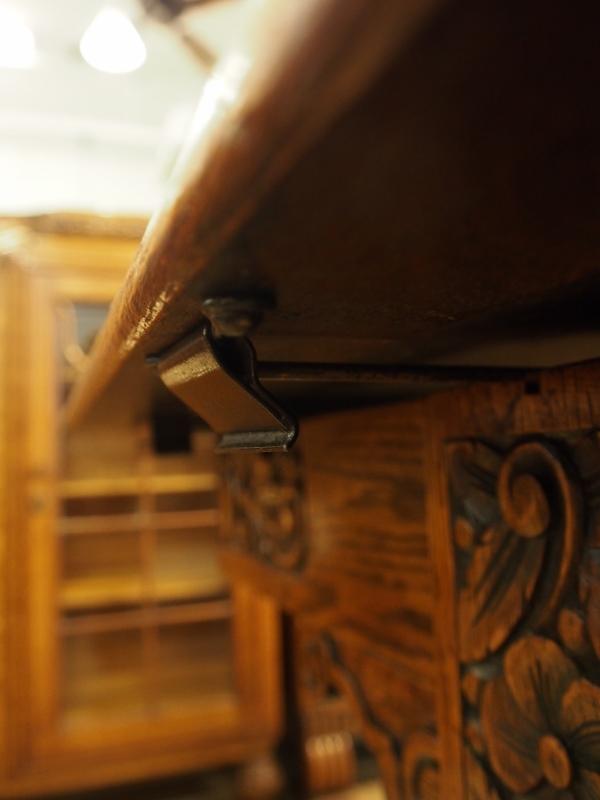 エクステンションテーブル 伸長式テーブル オークダイニングテーブル アンティークテーブル ヴィンテージテーブル アンティーク家具 ヴィンテージ家具 ヨーロッパ家具 西欧家具 イギリス家具 英国家具 カップアンドカバー バルボス 彫刻 関西 大阪 北摂 箕面