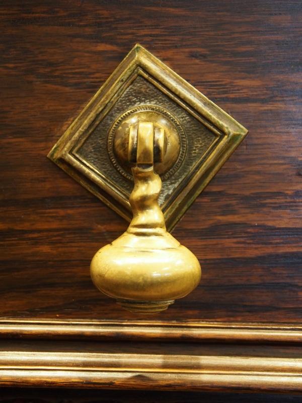 アンティーク家具 箕面 サイドボード 収納 ヴィンテージ家具 ビンテージ家具 イギリス イギリスアンティーク 英国家具 イギリス家具