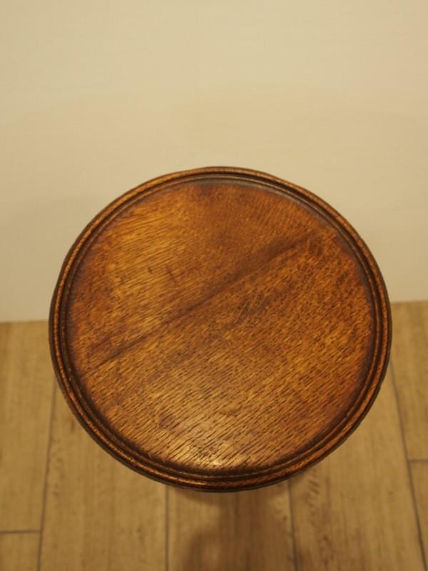 アンティーク家具 箕面 サイドテーブル ミニテーブル ティーテーブル コーヒーテーブル ソファテーブル  花台 ベッドサイドテーブル ヴィンテージ家具 ビンテージ家具 イギリス イギリスアンティーク家具 英国家具 イギリス家具