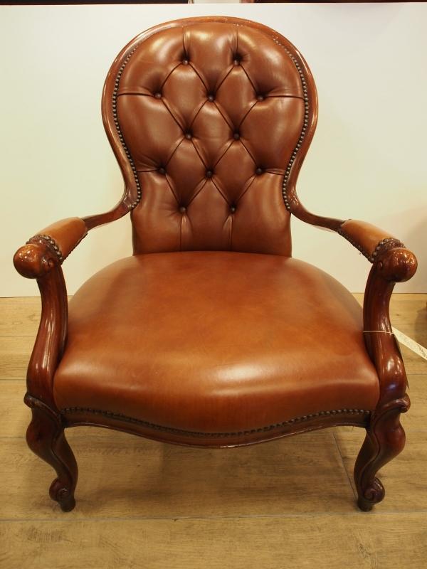 アンティーク家具 箕面 アームチェア チェア 椅子 イス 肘掛け椅子 一人がけ レザーチェア ヴィンテージ家具 ビンテージ家具 イギリスアンティーク家具 イギリス 英国家具 イギリス家具 アンティーク家具大阪