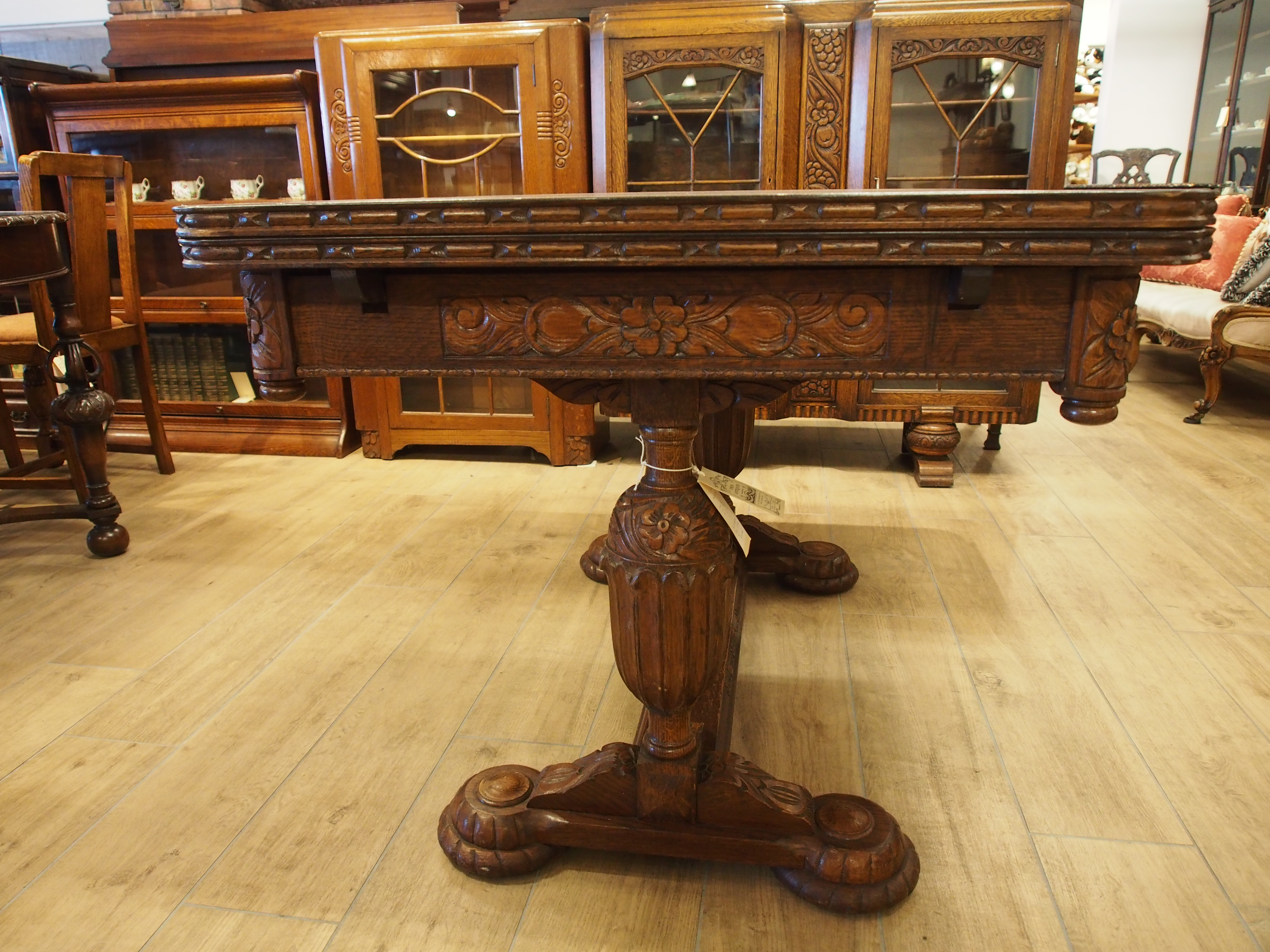 OLYMPUS DIGITAL アンティーク家具 箕面 ダイニングテーブル テーブル 伸縮式 二本脚 ドローリーフテーブル カップアンドカバー 彫刻 ヴィンテージ家具 ビンテージ家具 イギリスアンティーク家具  イギリス 英国家具 イギリス家具
