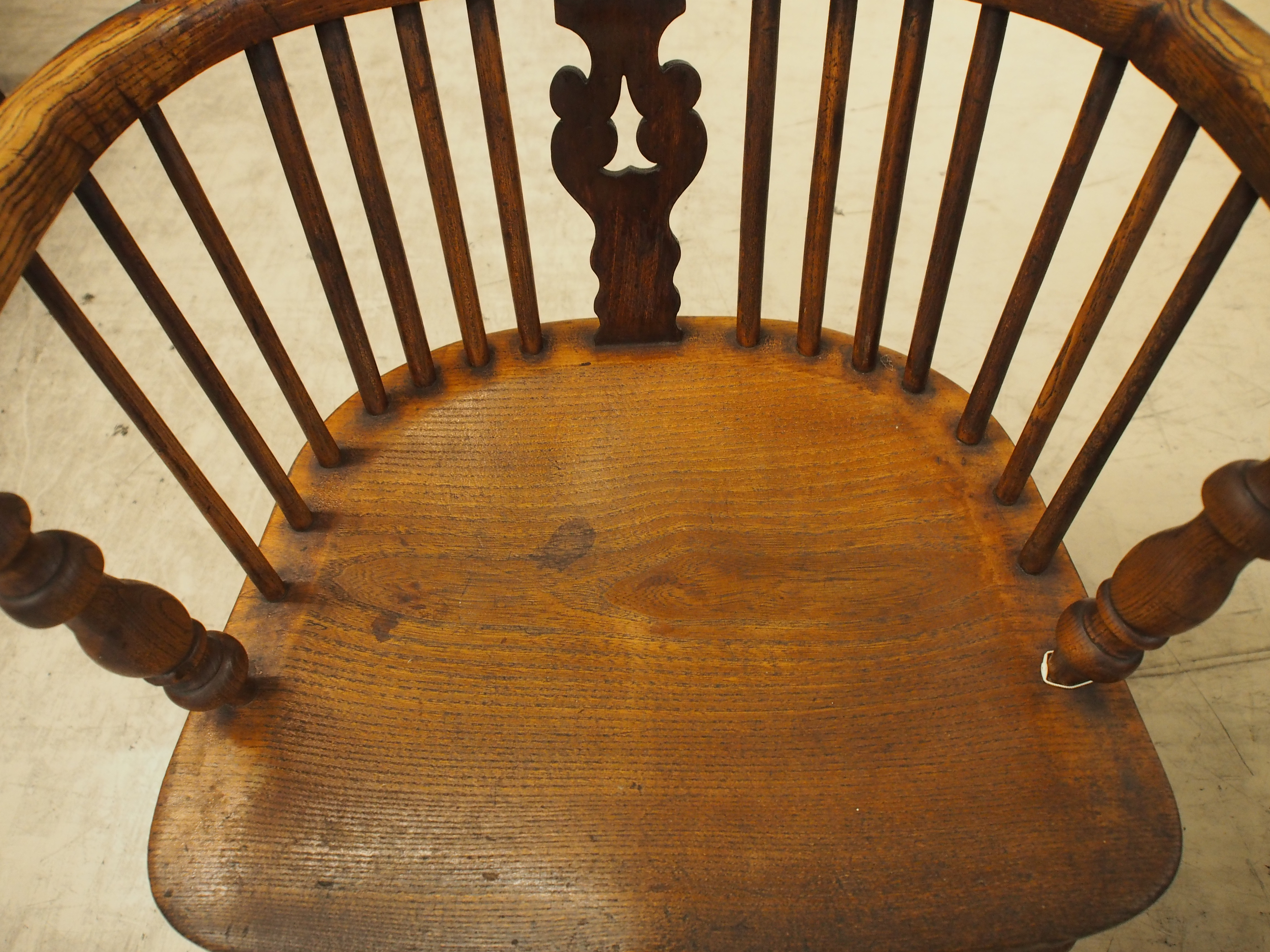 アンティーク ダブルボウバック ダブルボウバックウィンザーアームチェア ウィンザーチェア ウィンザーアームチェア アンティーク家具大阪 曲げ木椅子 肘掛け付き椅子 カントリーチェア ウィンザー地方 シャビー ヴィンテージ ビンテージ イギリスアンティークショップ 英国家具 ツインアンティークス TWIN ANTIQUES