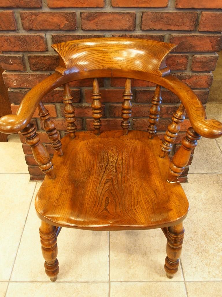 アンティーク家具 大阪 スモーカーズチェア アームチェア チェア 椅子 イス 肘掛け椅子 一人がけ 楡 エルム 煙草 パイプ ヴィンテージ家具 ビンテージ家具 イギリスアンティーク イギリス 英国家具 イギリス家具