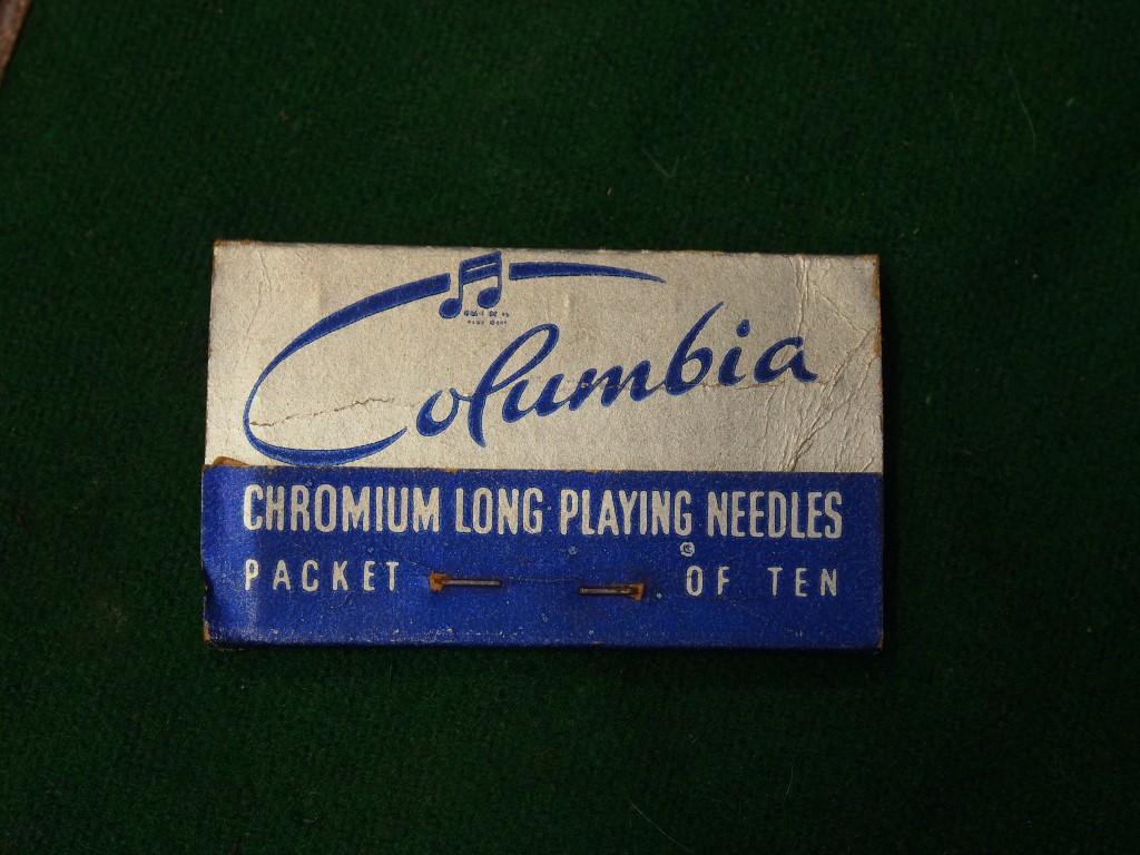 いつの時代の物かはわかりませんが、Columbiaの針もついています