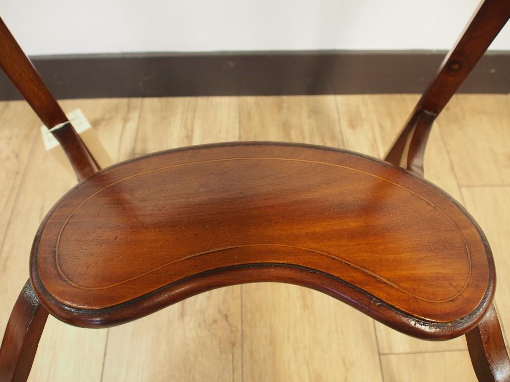 アンティーク家具 アンティーク キドニーテーブル サイドテーブル オケージョナルテーブル ツインアンティークス 大阪