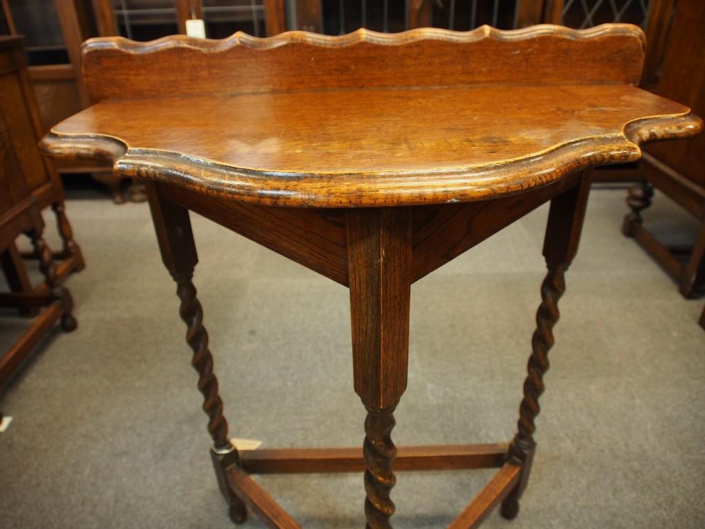 アンティーク家具 アンティーク サイドテーブル オケージョナルテーブル ティーテーブル 玄関 ベッドサイド ツインアンティークス