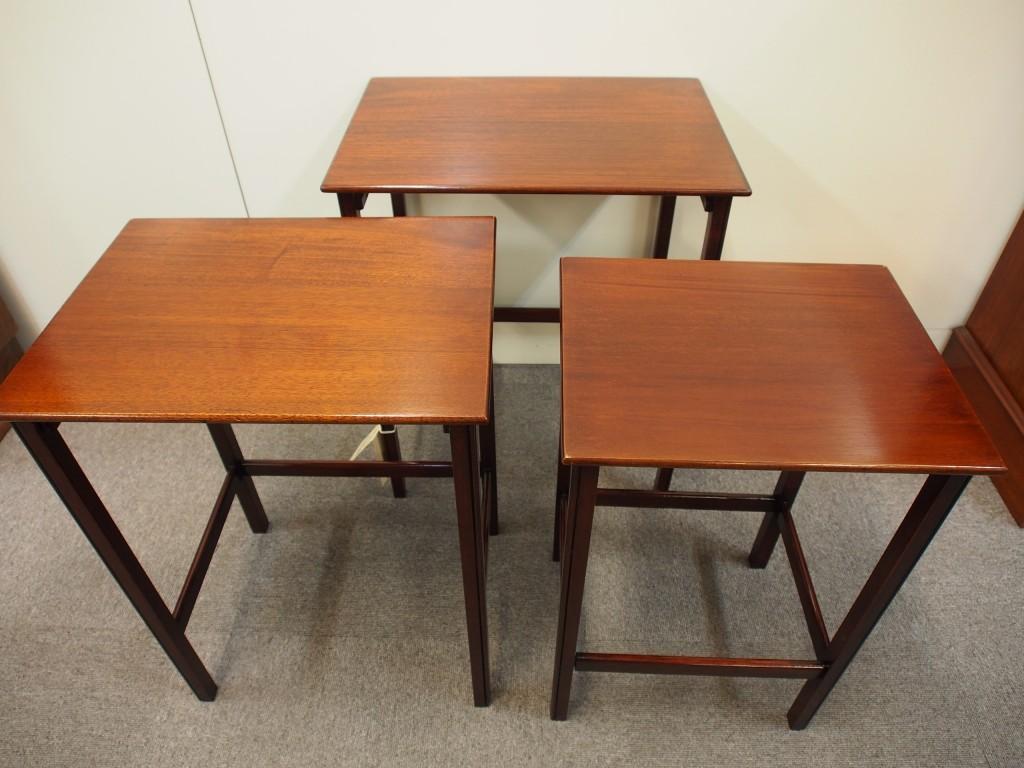アンティーク家具 アンティーク ネストテーブル サイドテーブル 花台 ソファテーブル マホガニー ツインアンティークス