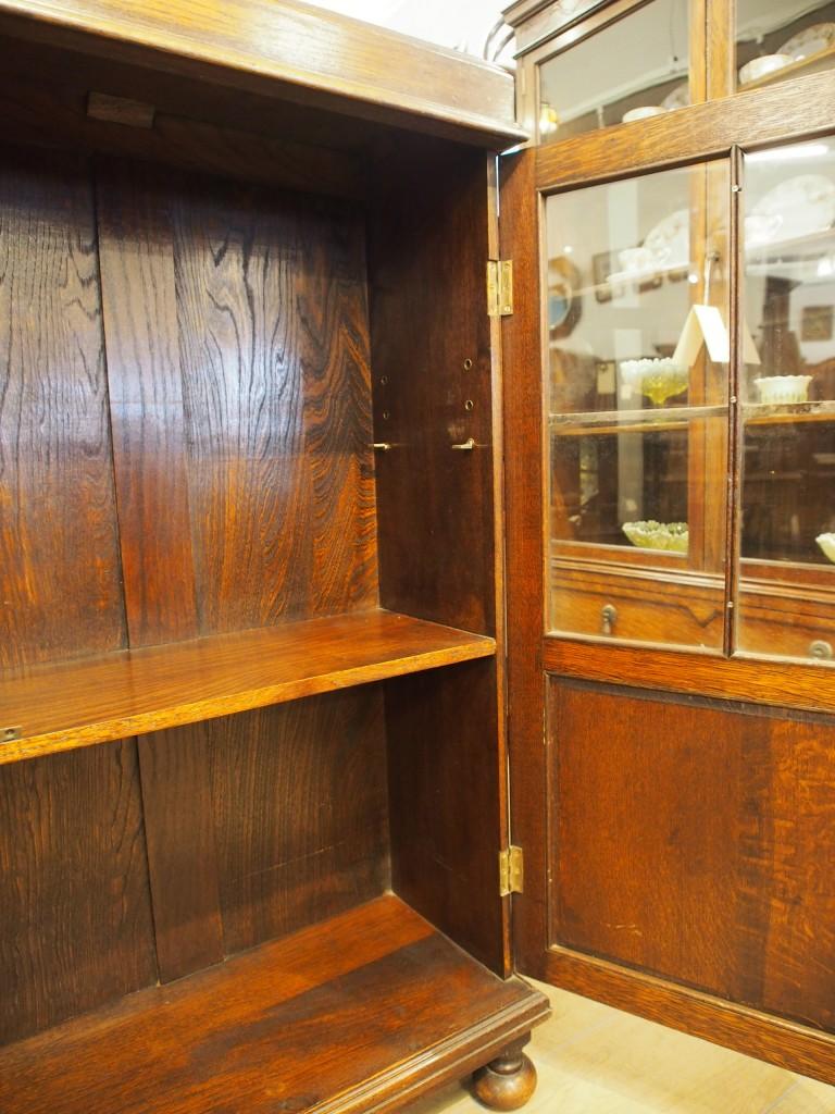 下段の棚は固定棚です。