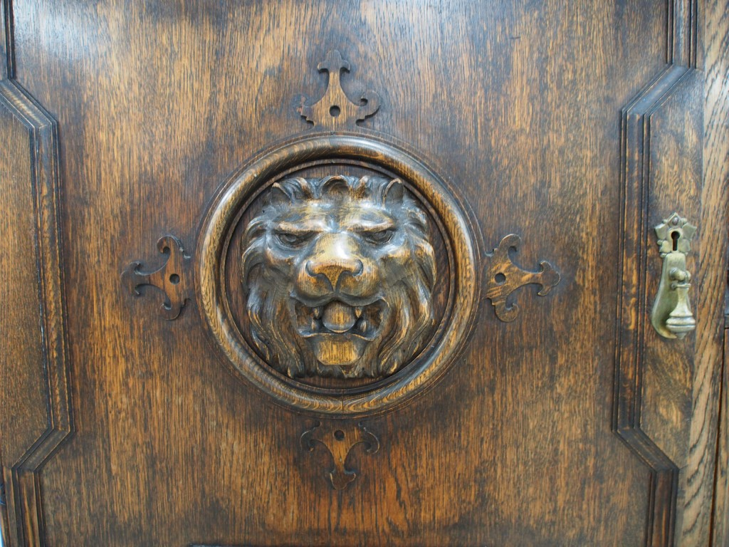 アンティーク家具 アンティーク サイドボード 収納 ライオン 彫 ツインアンティークス