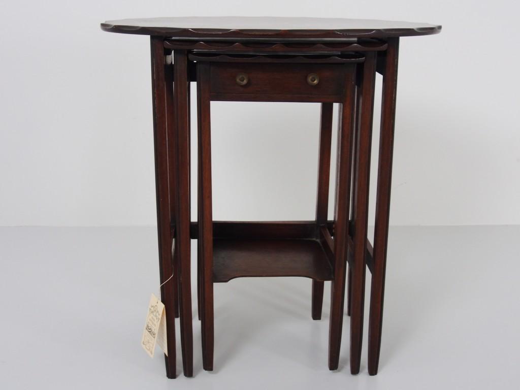 アンティーク家具 アンティーク マホガニー ネストテーブル ミニテーブル サイドテーブル コーヒーテーブル ソファテーブル ツインアンティークス