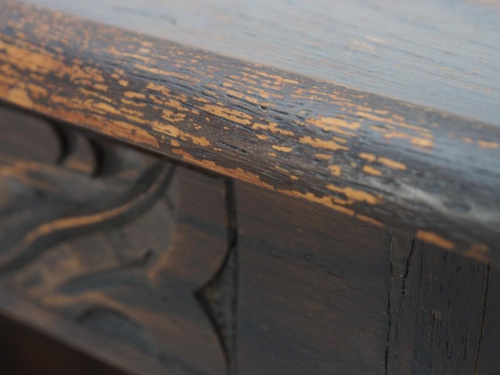 ところどころ、塗装ハゲが見受けられます。 メンテナンスで目立ちにくくすることは可能ですが、完全に修復はできません。