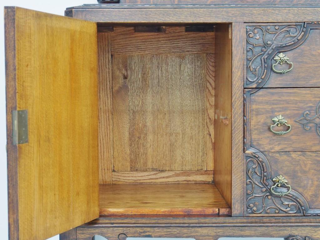 左開き戸内部:棚板は取り外せます。