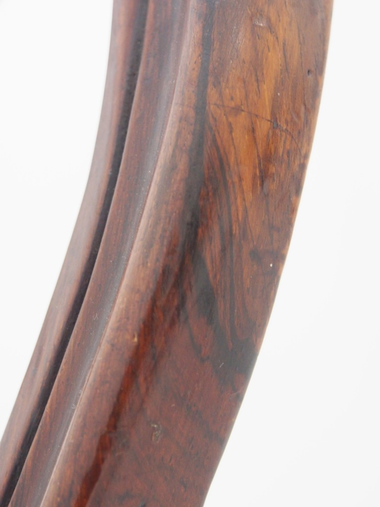 墨を流したようなローズウッドの美しい木目