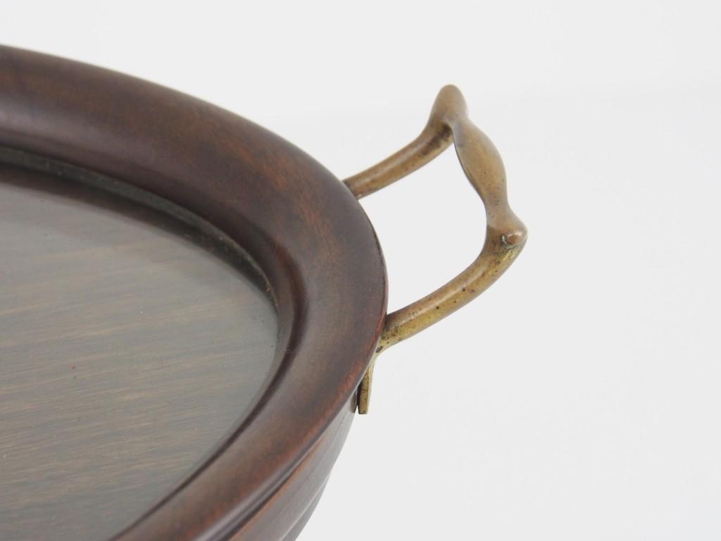 真鍮の取っ手もシンプルでお洒落です。